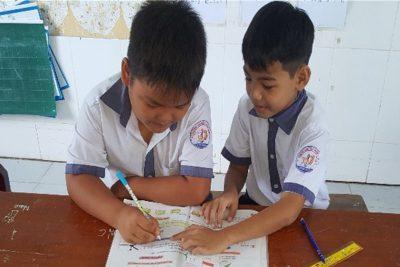 Tâm gương siêng năng cần cù trong học tập của một bạn học sinh lớp 2A5