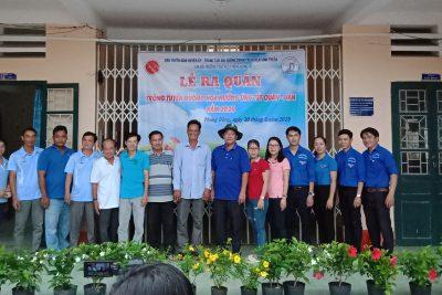 """56 giáo viên trường TH&THCS Phong Đông tham gia Lễ Ra quân trồng """"Tuyến đường hoa"""" hưởng ứng Tết quân – dân xã Phong Đông năm 2019"""