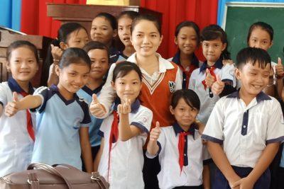 Là thầy cô, hãy giữ cho ánh mắt và nụ cười của học sinh luôn tràn đầy hạnh phúc
